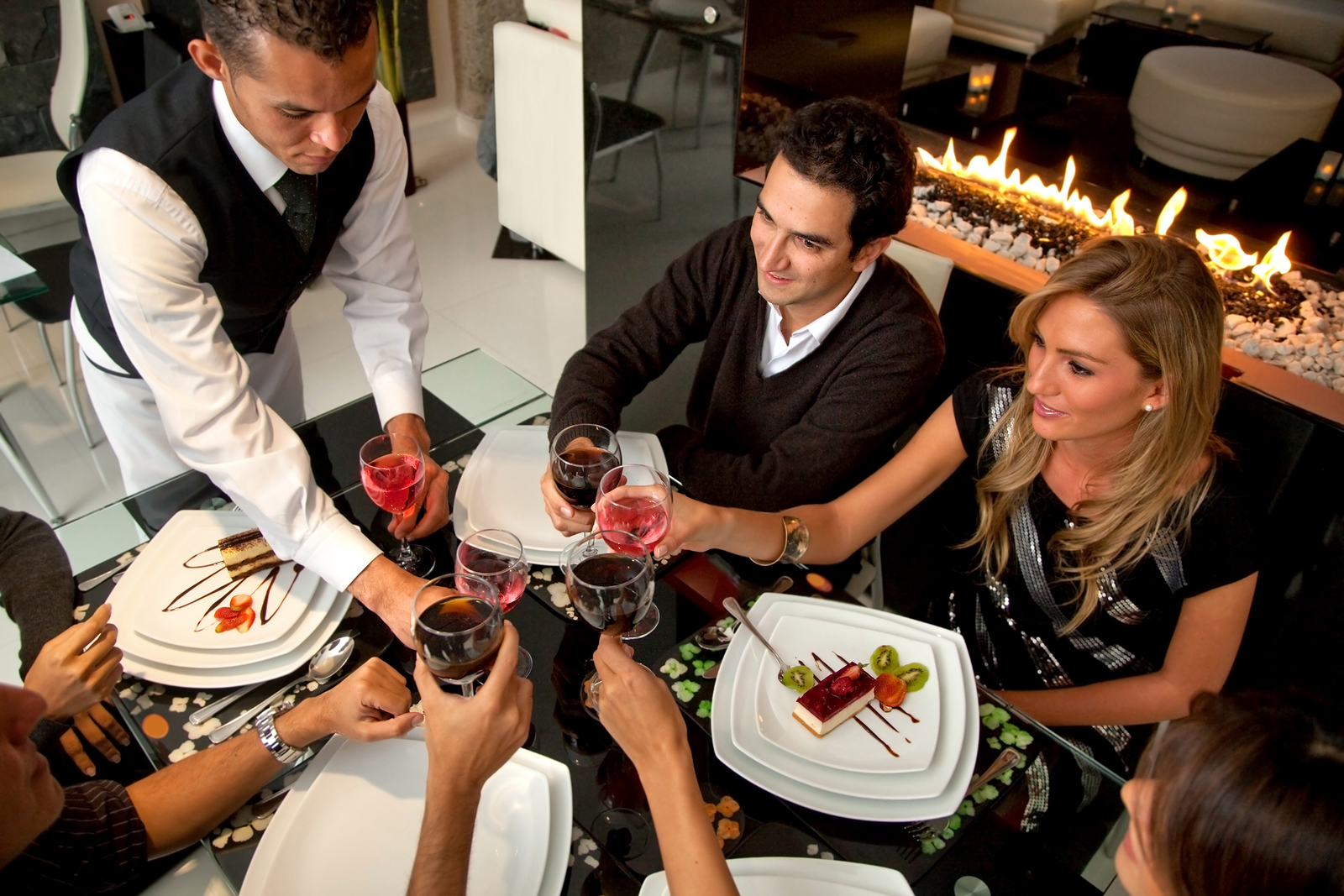 Restaurant Background Music Tips - How To Set The Mood For Customers