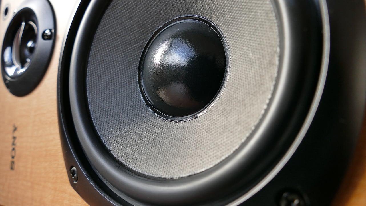 audio-1221152_1920.jpg